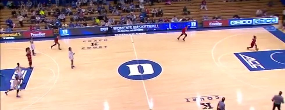 Watch This College Basketball Team Trick Its Opponent Into Defending The Wrong Basket
