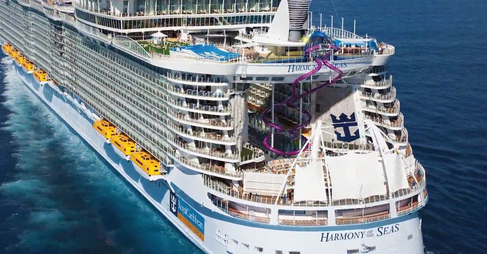 This Cruise Line Will Pay You To Quit Your Job And Instagram Your Vacation
