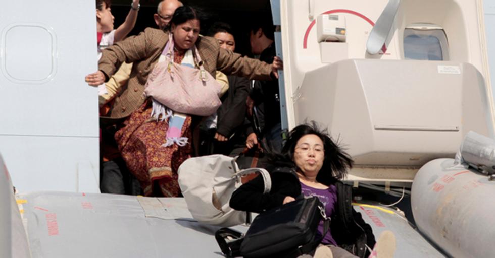 A Former Flight Attendant Shares The Procedure To Best Survive A Plane Crash