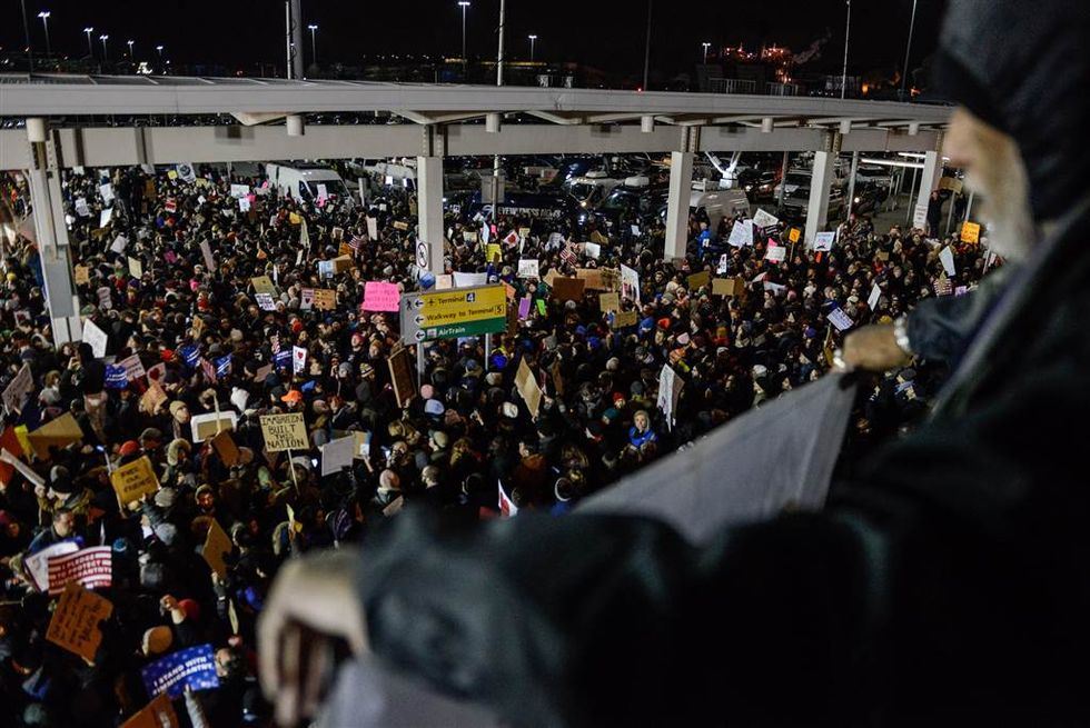 Protests Over Immigration Ban Spreads To 7 Major U.S. Airports