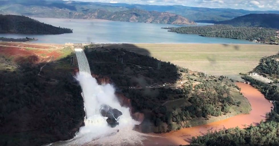 Over 180,000 Calfornia Residents Were Evacuated Over Suddens Fears Of Dam Collapse