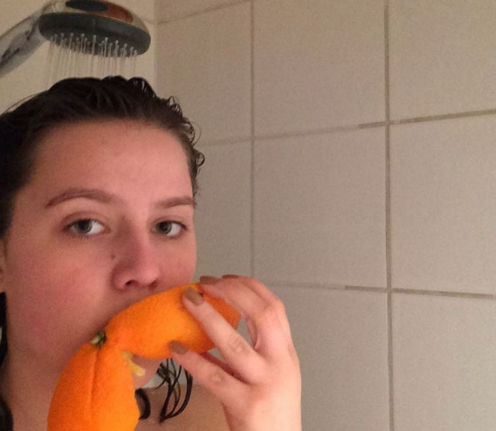 We Attempt To Explain Why Bathing Naked With An Orange Is Suddenly So Popular