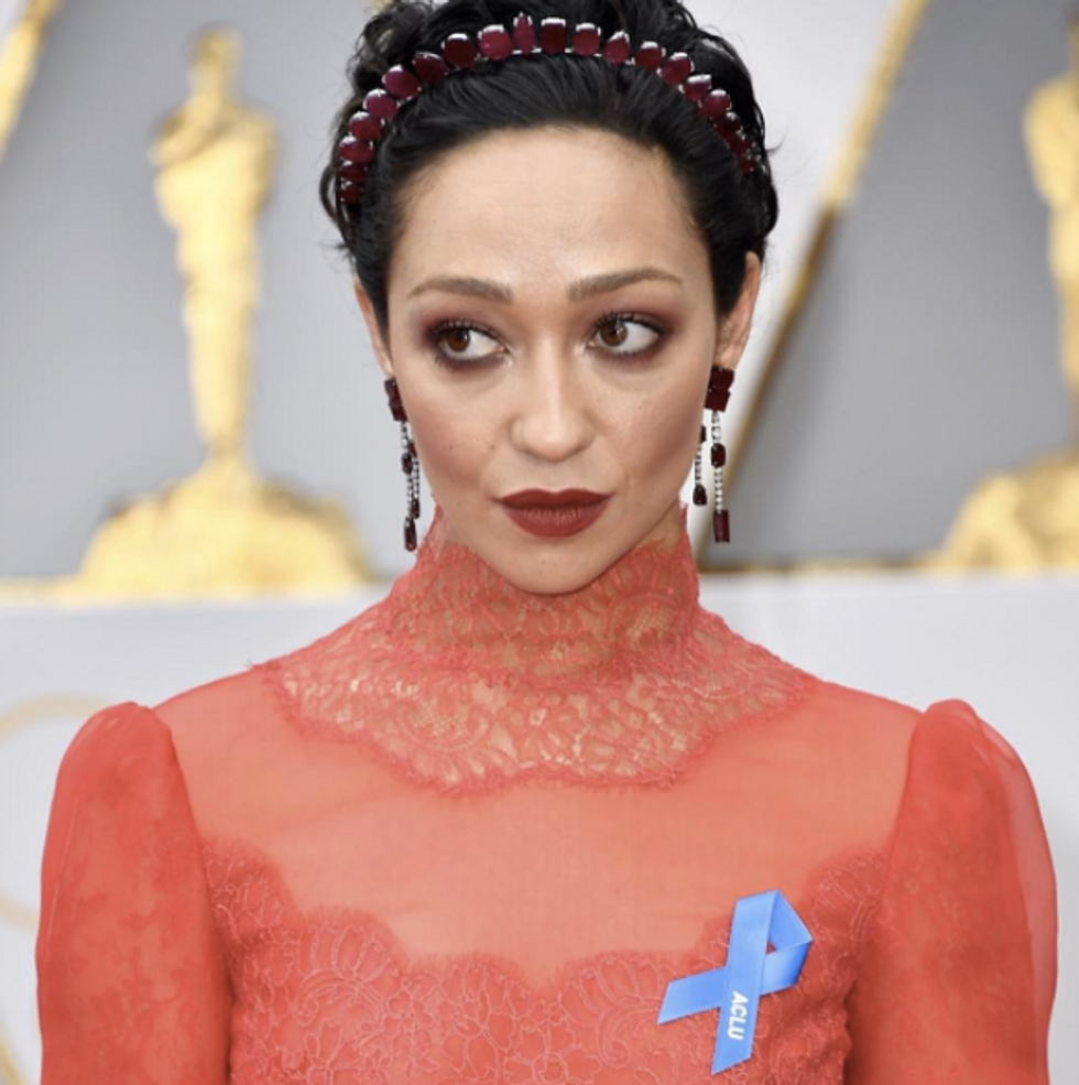 Here's Why Oscar Attendees Wore Blue Ribbons At The Oscars