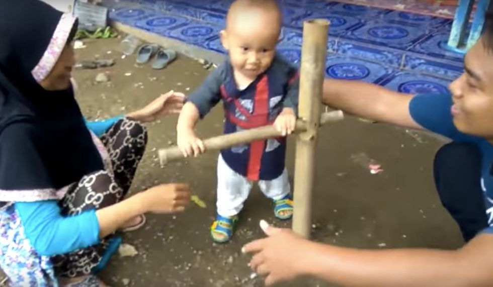 Indonesia Teaches Their Children To Walk Using This Brilliantly Simple Approach