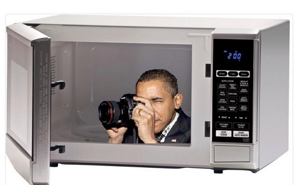 Obama's Former Photographer Is Trolling Trump In The Best Way