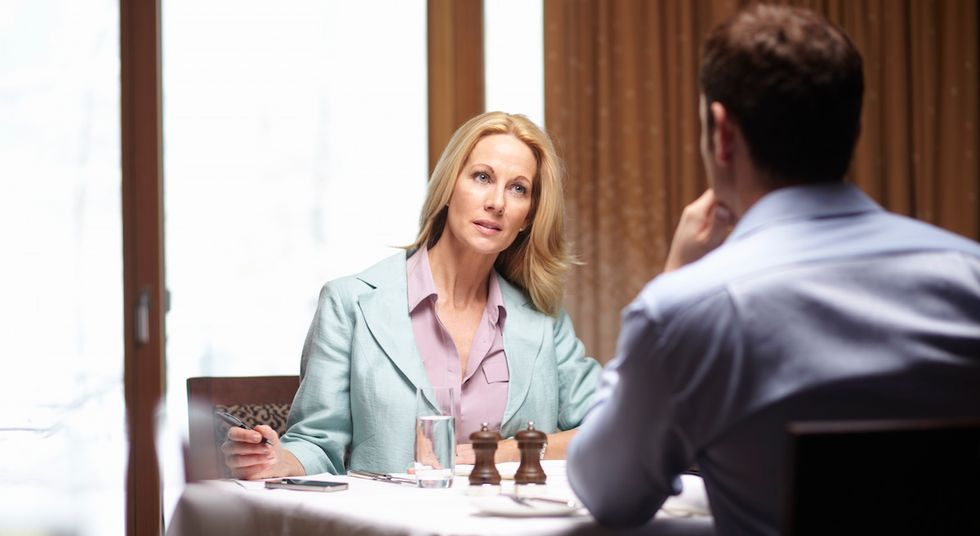 Why A Woman Should Definitely Pay On The First Date