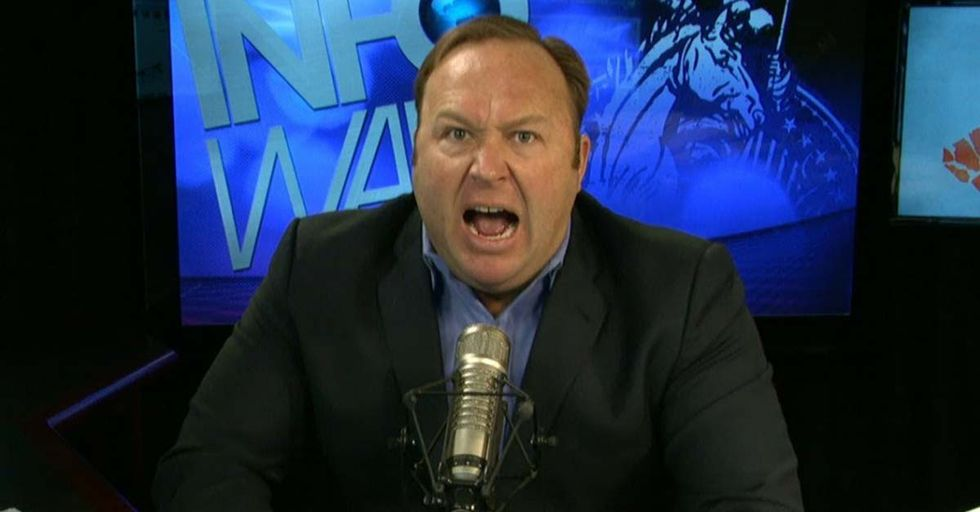 In This Manic Rant, Right-Wing Zealot Alex Jones Made An Incredibly Bizarre Claim About His Teenage Sex Life