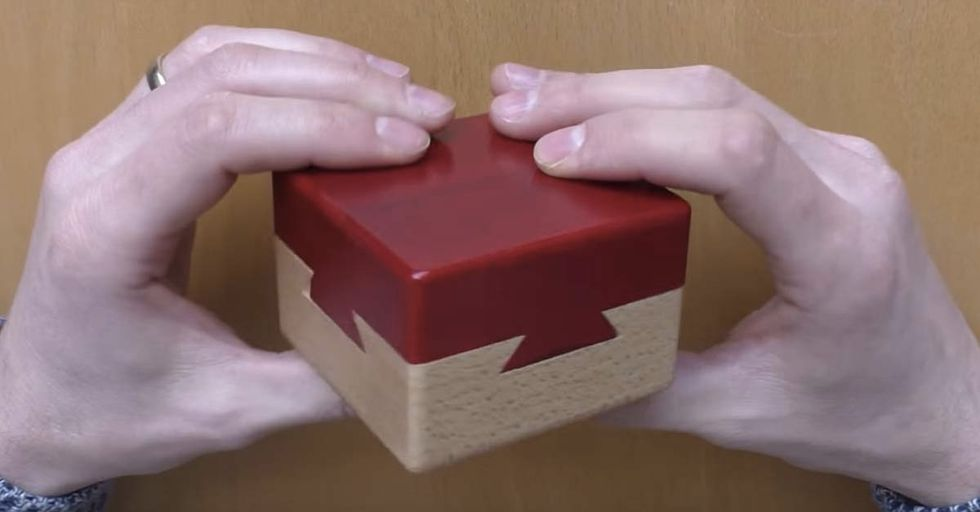 This Box Puzzle Is So Insanely Difficult That It's Near-Impossible Even With A Video Tutorial