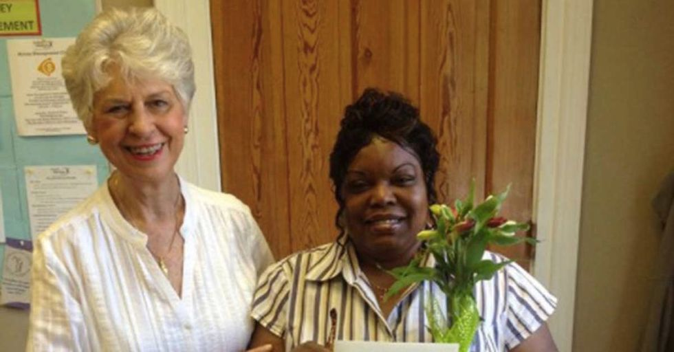 Strangers Have Started 'Adopting' Single Moms, Gifting Them Flowers For Mother's Day