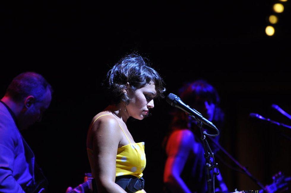 Norah Jones Makes Haunting Tribute To Chris Cornell