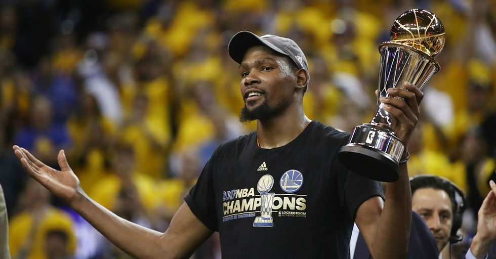 This Is What President Obama Texted Kevin Durant Following His First NBA Championship