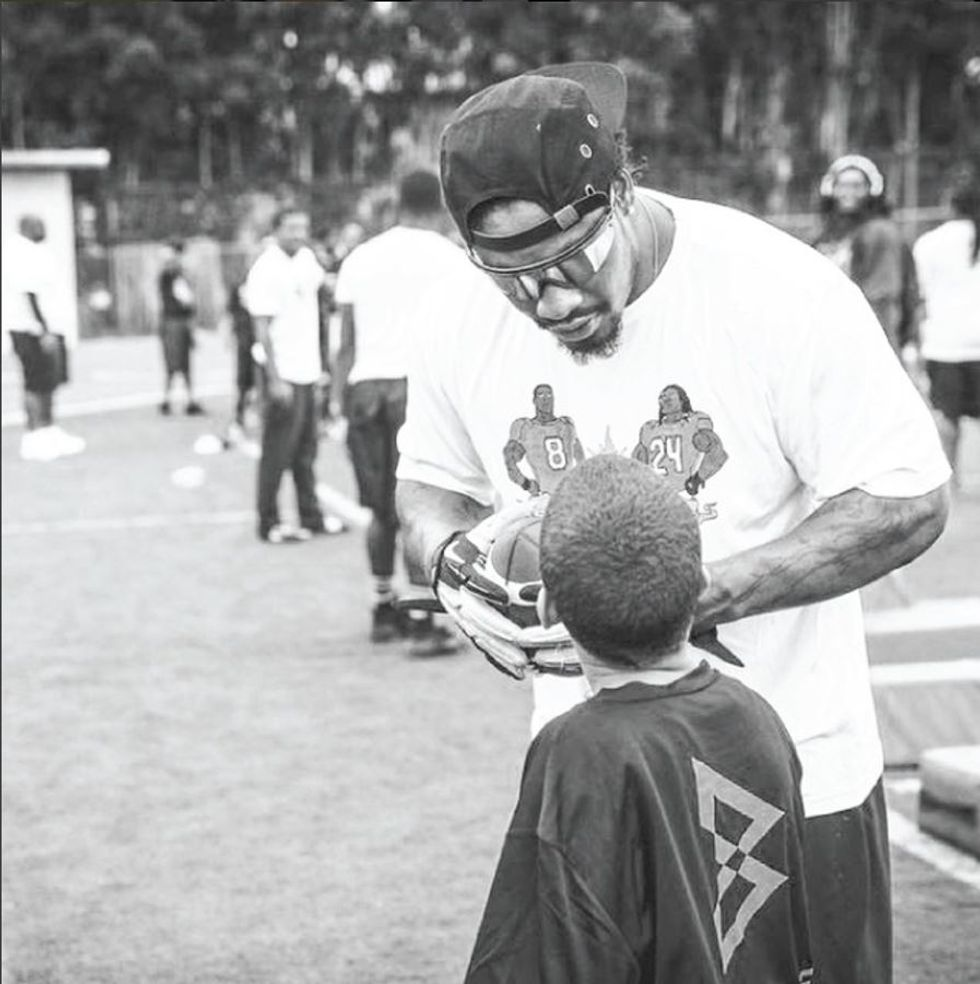 Oakland NFL Star Offers Up Free Haircuts For Local Kids With Good Grades