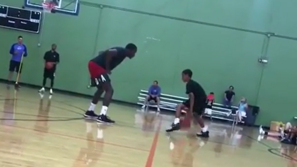 Watch This Little Kid Creatively Beat An NBA Player In 1-On-1
