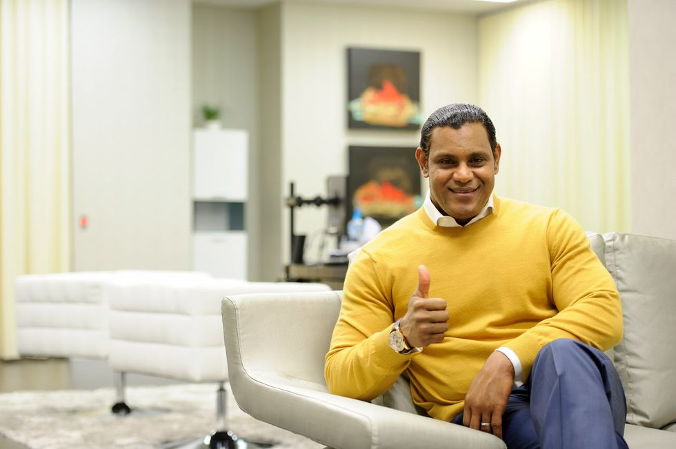The Skin-Bleaching Industry Is Laughing At Sammy Sosa's Face All The Way To The Bank