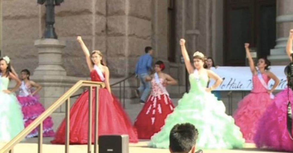 Teenage Girls Staged A Gorgeous Quinceañera Event To Fight For Sanctuary Cities