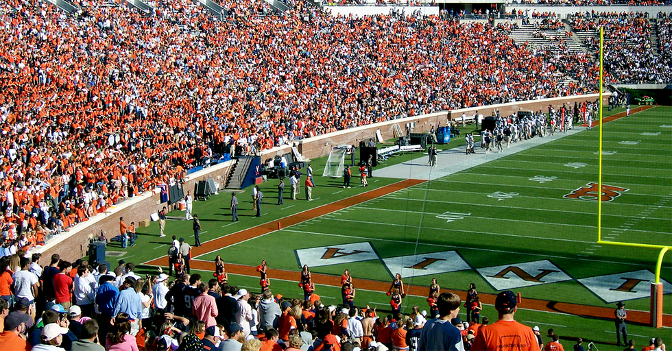 Following Charlottesville, An ESPN Broadcaster Named Robert Lee Won't Be Covering A Virginia Football Game