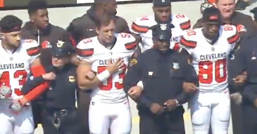 Watch: Cleveland Browns Run Message Of Unity Before The National Anthem