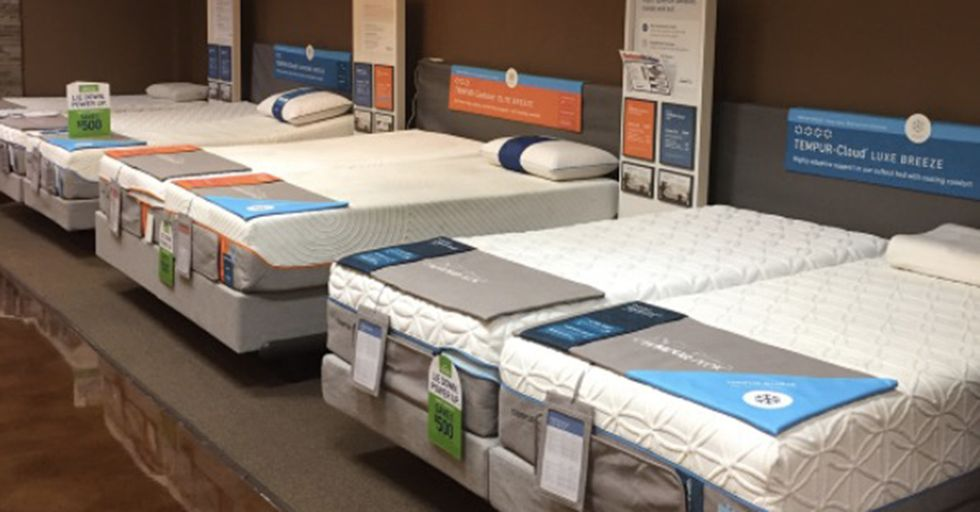 A Well-Known Mattress Startup Dealt With Its Bad Reviews In A Very Clever And Shady Way