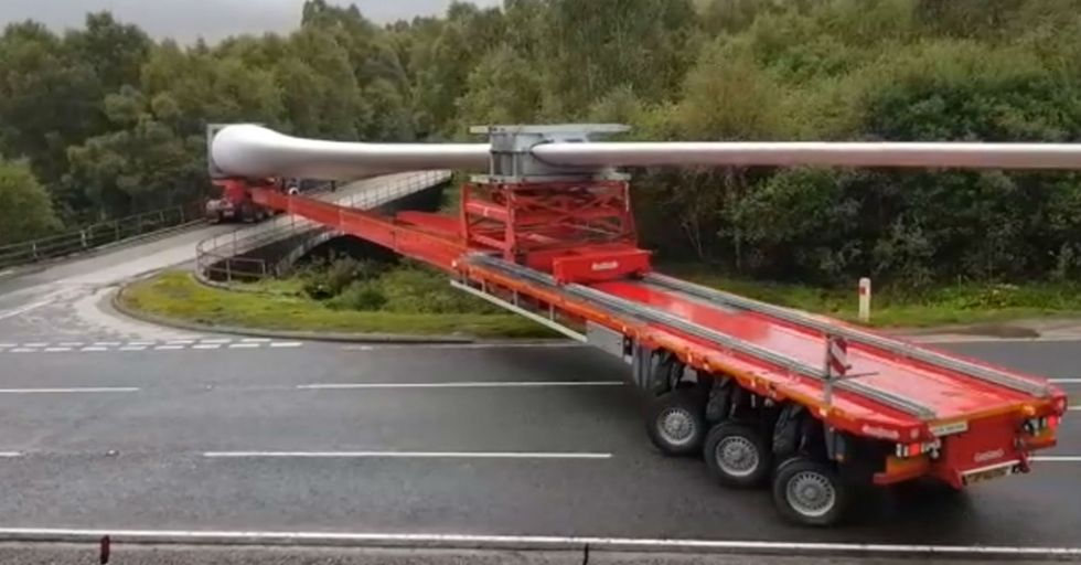 A Trucker With A Ridiculously Large Payload May Have Executed The Most Impressive Right Turn In History
