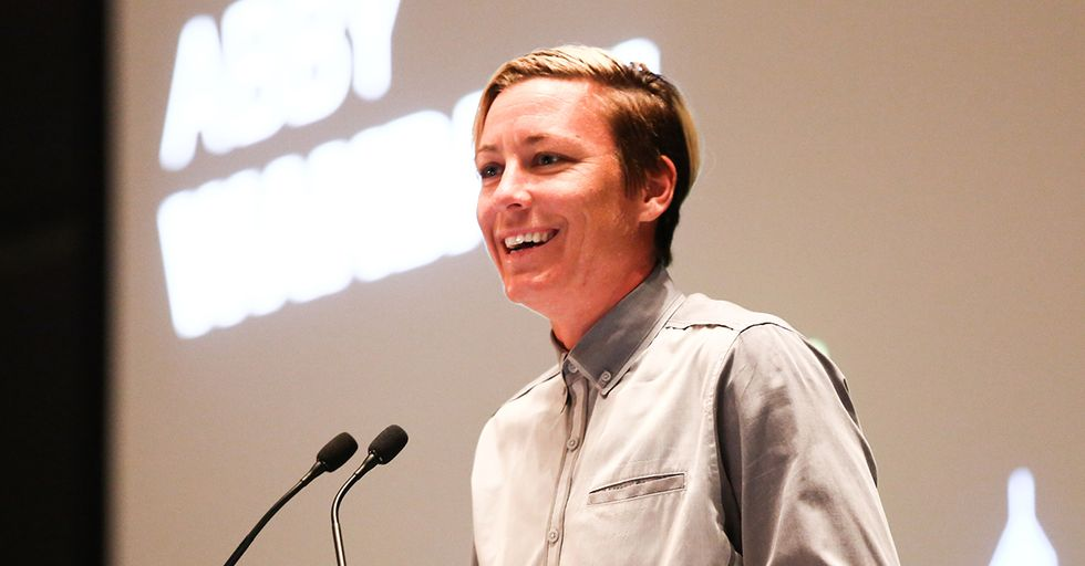 Soccer Star Abby Wambach Uses Instagram To Turn The Tables On The Kids Who Stole Her Car