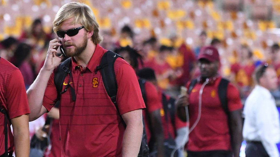 A Blind USC Football Player Has A Remarkable Way Of Finding Out Where His Teammates Are