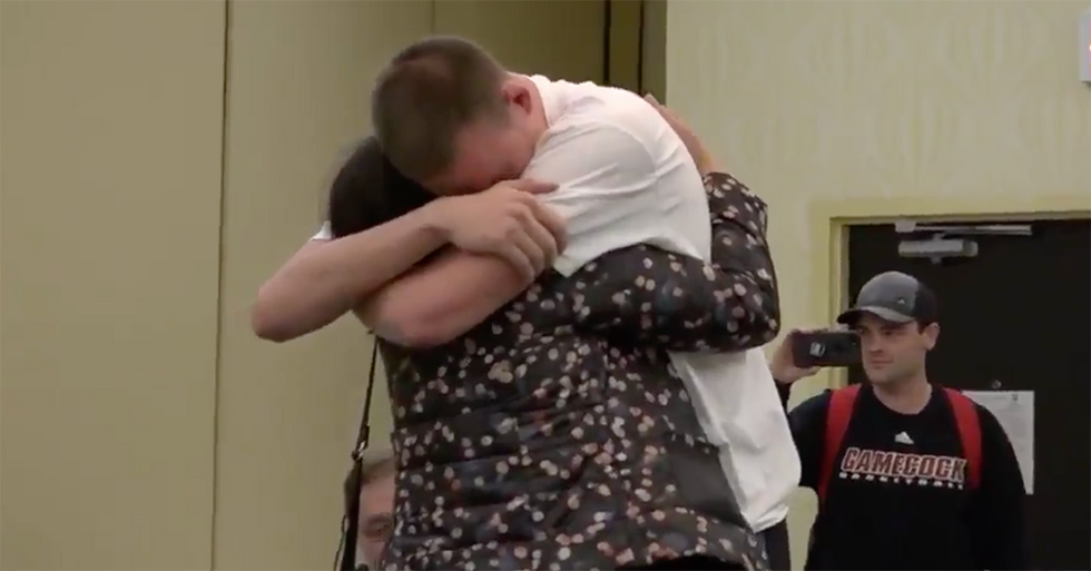 College Coaches Set Up A Surprise Reunion Between A Player And Mom After 5 Years Apart