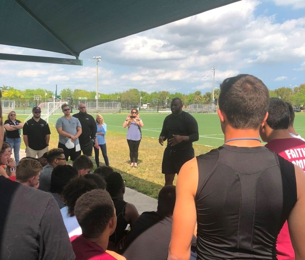 Los Angeles Chargers Player Creates $10K Scholarship Fund In Memory Of Stoneman Douglas Football Coach