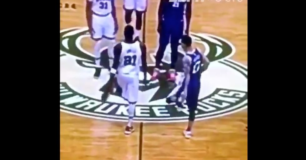 NBA Players Keep Synchronizing Perfectly With Each Other, And It's Mesmerizing
