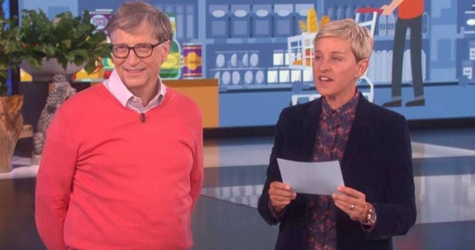Bill Gates Takes Ellen's Grocery Store Challenge