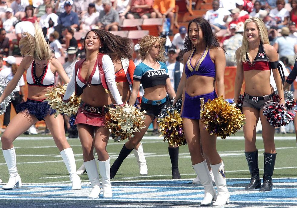 NFL Cheerleaders Offer To Settle Discrimination Claims If Goodell Will Meet With Them