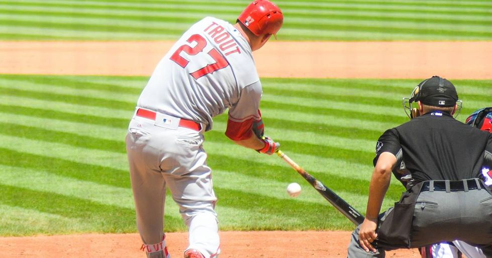 Mike Trout Apologizes To Umpire After Broken-Bat Single