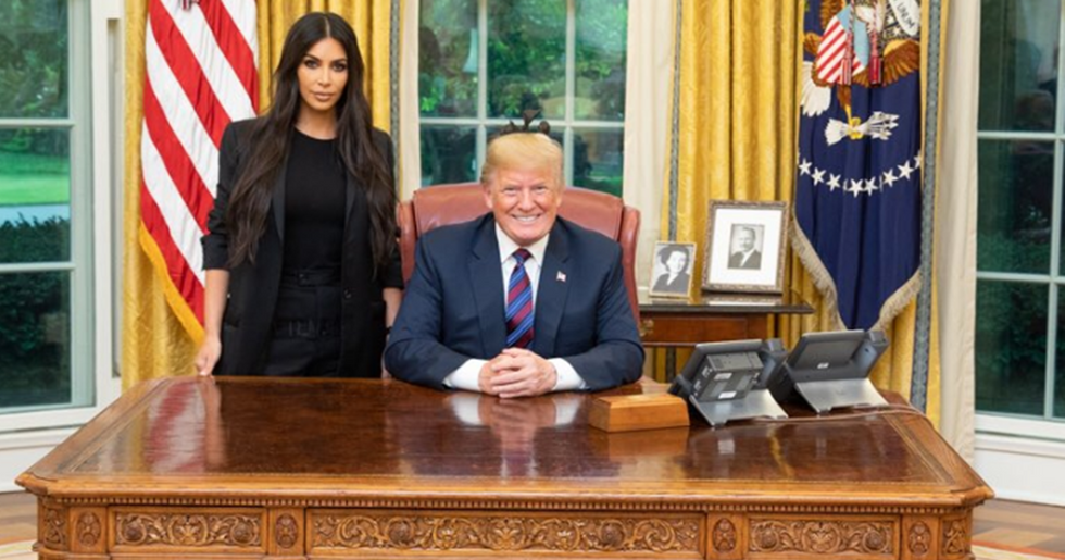 Twitter's FunniestReactions To Kim Kardashian West's Oval Office Visit