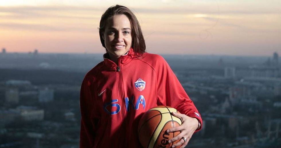 Becky Hammon Becomes The First Female Assistant Head Coach In All 4 Major U.S. Sports