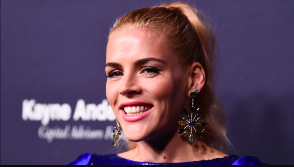 Busy Philipps issues a terrific response to another body-shaming troll