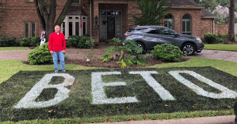 Texas family fights back against HOA that claims their 'BETO' sign violates community standards.