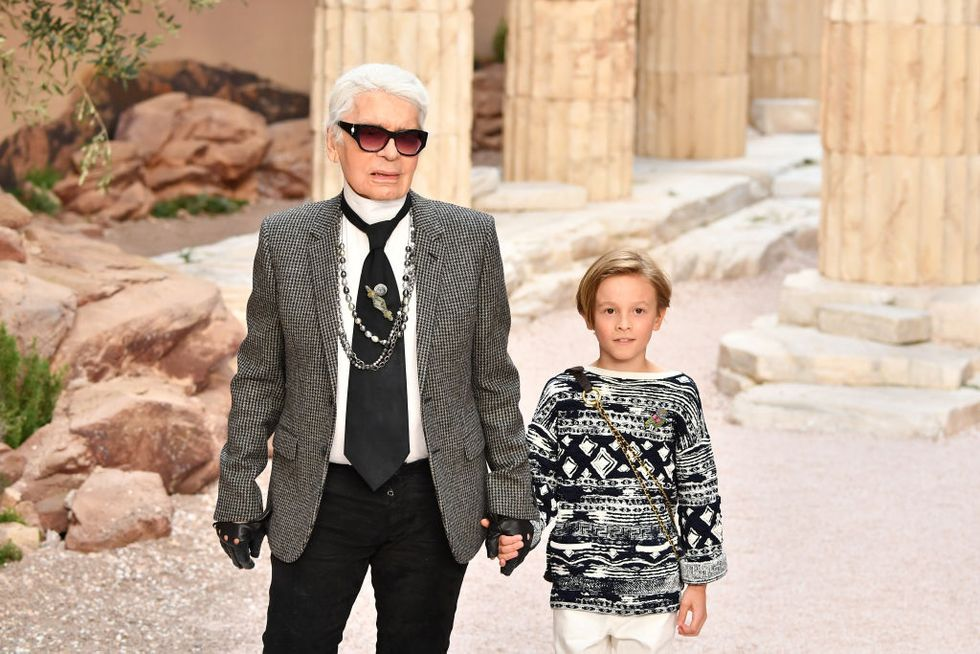 This viral story of how Karl Lagerfeld helped a 7-year-old stranger design her birthday costume is pure gold.