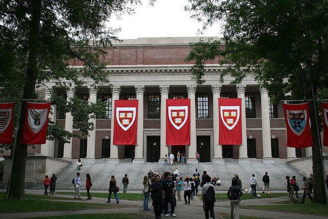 Enterprising Teacher Is Crowdsourcing the Cost of Harvard