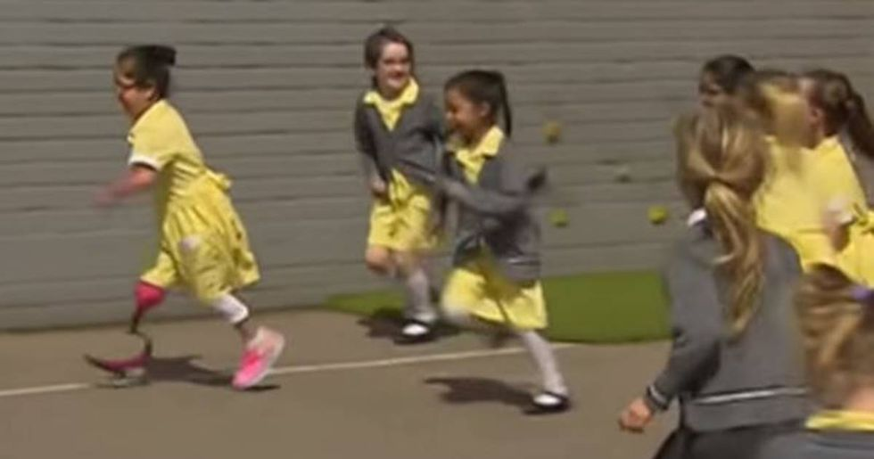 Seven-year-old girl shows off her new prosthetic leg for the first time and her friends' reaction is wonderful.