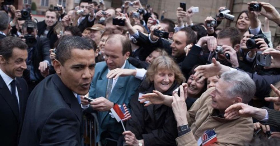 Former White House Photographer Is Inviting Comparisons By Posting Pics Of Obama's First 100 Days In Office
