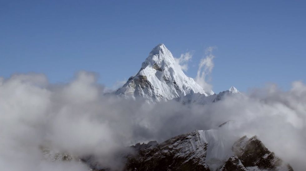 Experience What it's Like to Soar Through the Himalayas at 20,000 Feet in Ultra-HD