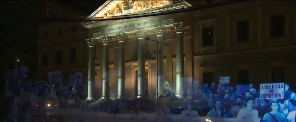"Over 18,000 ""People"" Join the World's First Hologram Protest in Spain"