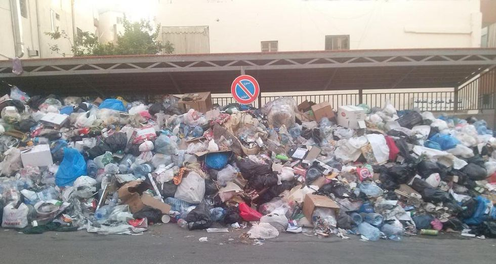 Beirut Residents Protest Garbage Pile-Up In Their City