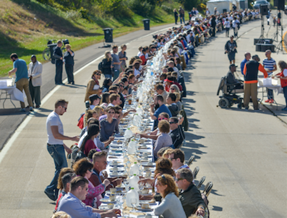 Why 500 Strangers Stopped Traffic to Eat Dinner on an Ohio Freeway
