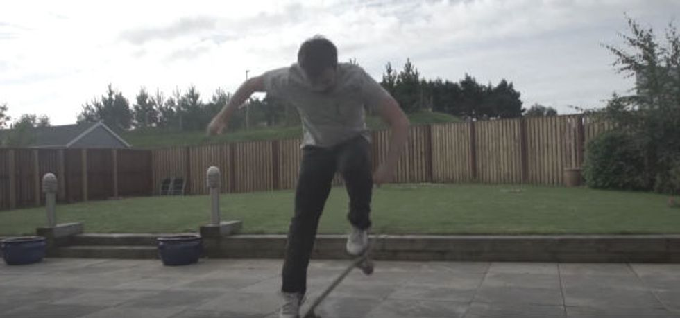 This Guy Teaches Himself to Kickflip in 5 Hours 47 Minutes