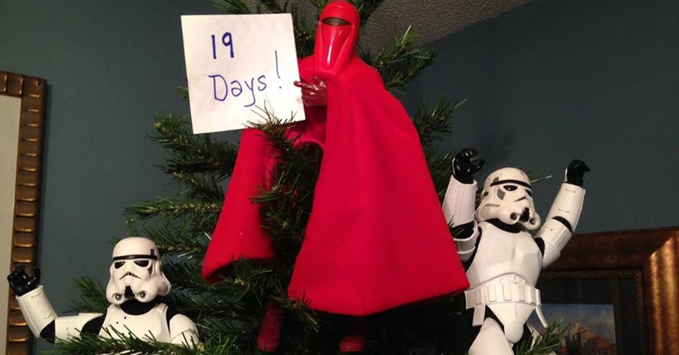 Missouri Teen Awakens the Force and the Christmas Spirit with a Cool Photo Project
