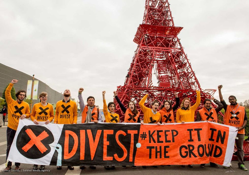 Fossil Fuel Divestments Reach $3.4 Trillion at Paris Talks