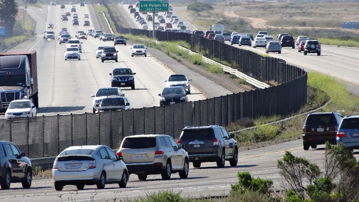23 Governors Join California in Opposing Trump's Fuel Efficiency Freeze