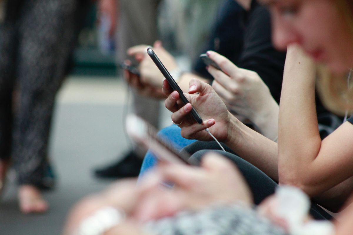 How to Use Social Media As A Learning Tool—Without Letting It Take Over Your Life