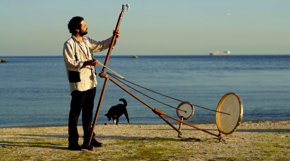 Space Out With This Turkish Musician's New Instrument