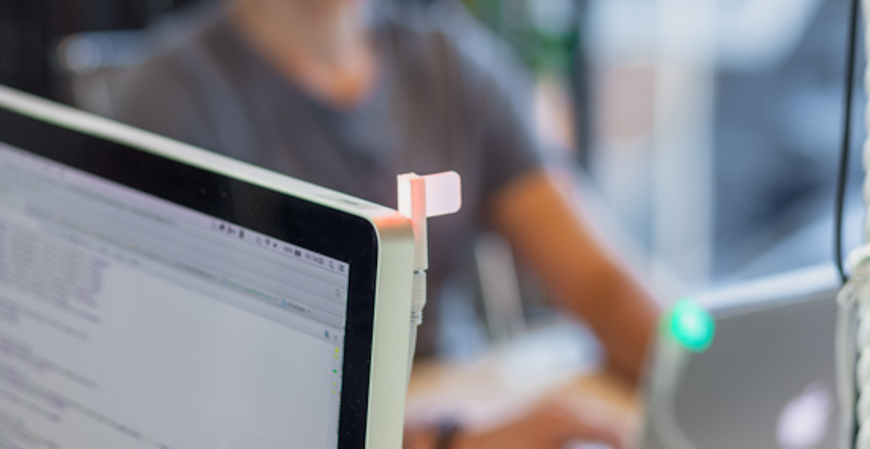 Is This Simple LED Light the Solution to Open Office Productivity?